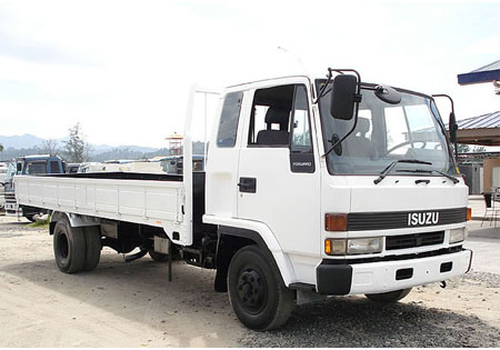 Isuzu Elf 4 Wheeler